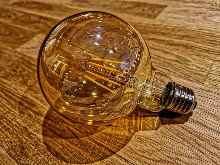¿Cómo ahorrar en la factura de la luz? Apuesta por las bombillas LED