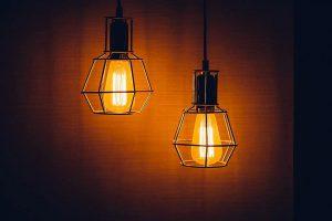 ¿Cómo ahorrar en la factura de la luz? Toda la información, en Certificadodecasa.com